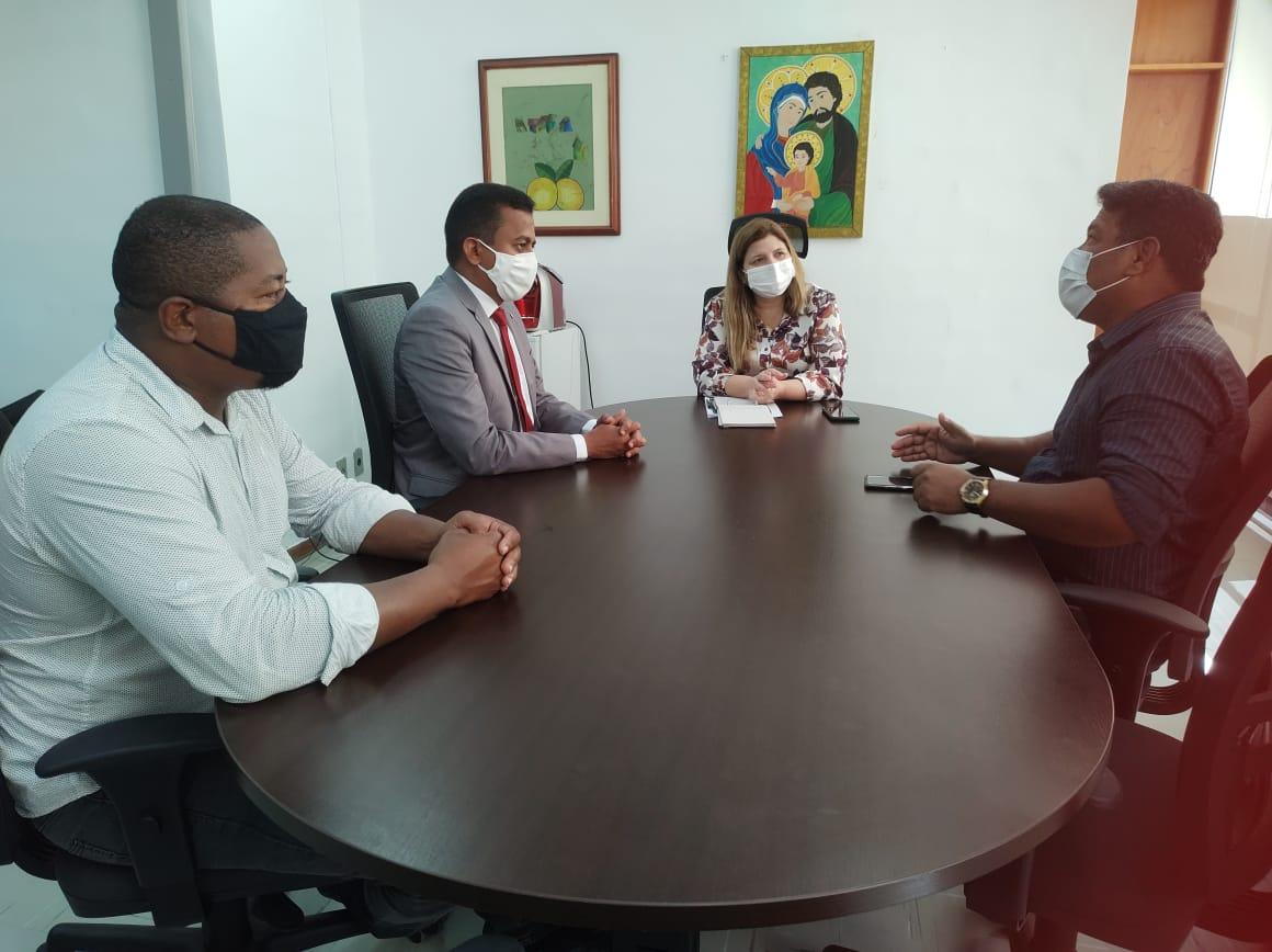 Senatepi participa de reuniões com representantes do Governo e garante a liberação das férias